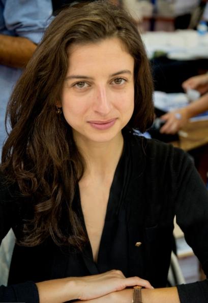 Portrait de la productrice radio et écrivain Laura El Makki, à l'occasion de la 35e Foire du Livre, à Brive-la-Gaillarde en France le 6 novembre 2016. (Photo by Jean-Marc ZAORSKI/Gamma-Rapho via Getty Images)