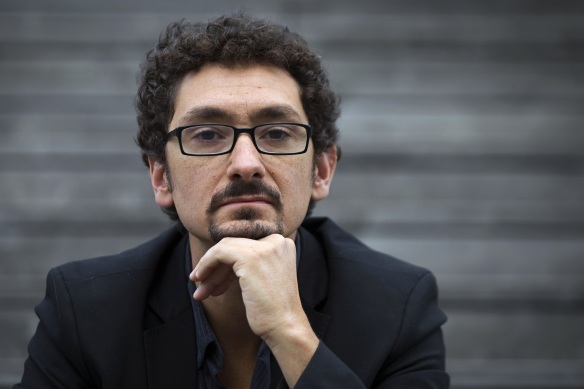"French author and screenwriter David Foenkinos poses on September 13, 2011 in Paris. Foenkinos' latest book entitled ""Les souvenirs"" (Memories) is in the first selection of the Goncourt Academy for top literary award, the Goncourt Prize. AFP PHOTO JOEL SAGET"